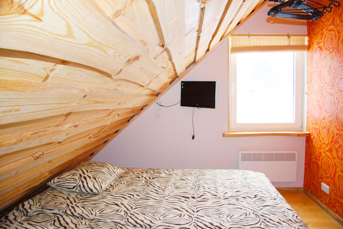 kahe voodiga tuba